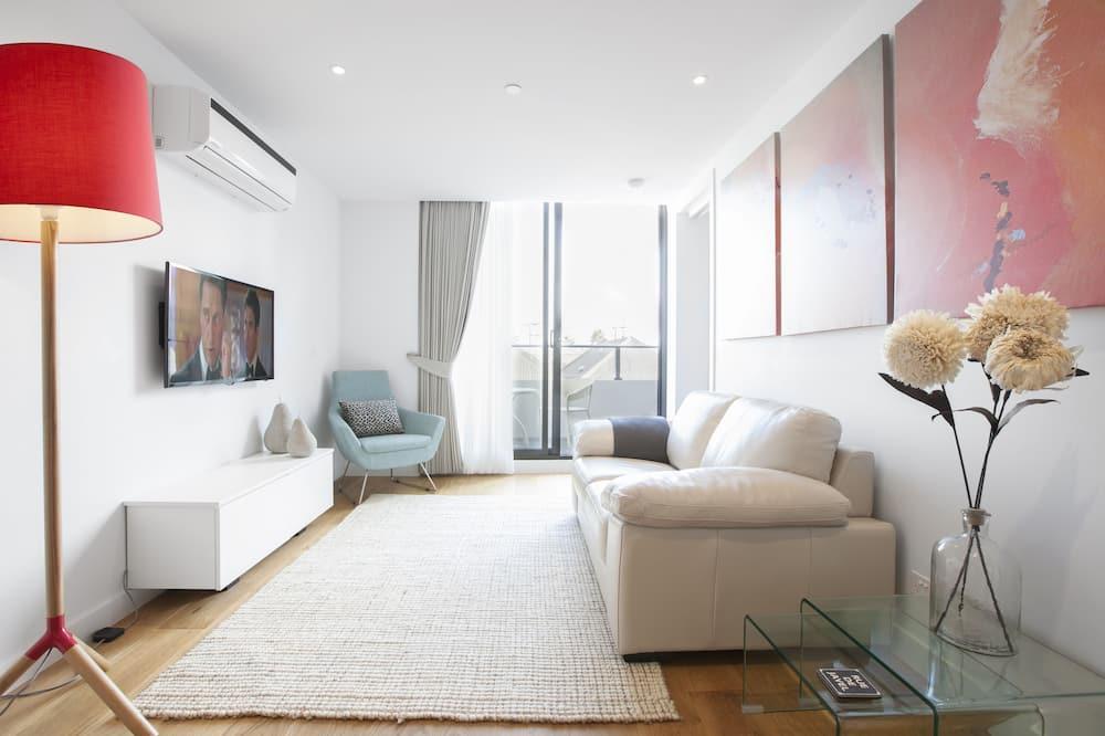 Basic Apartment, 1 Bedroom - Living Room