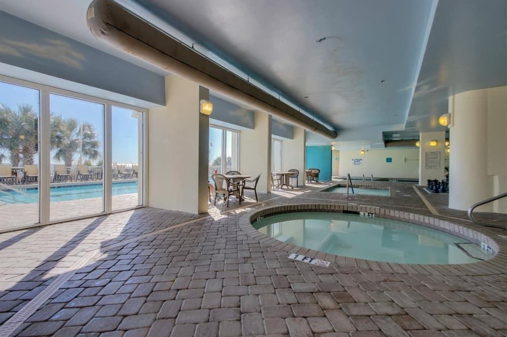 Квартира (Paradise Resort 1707) - Бассейн