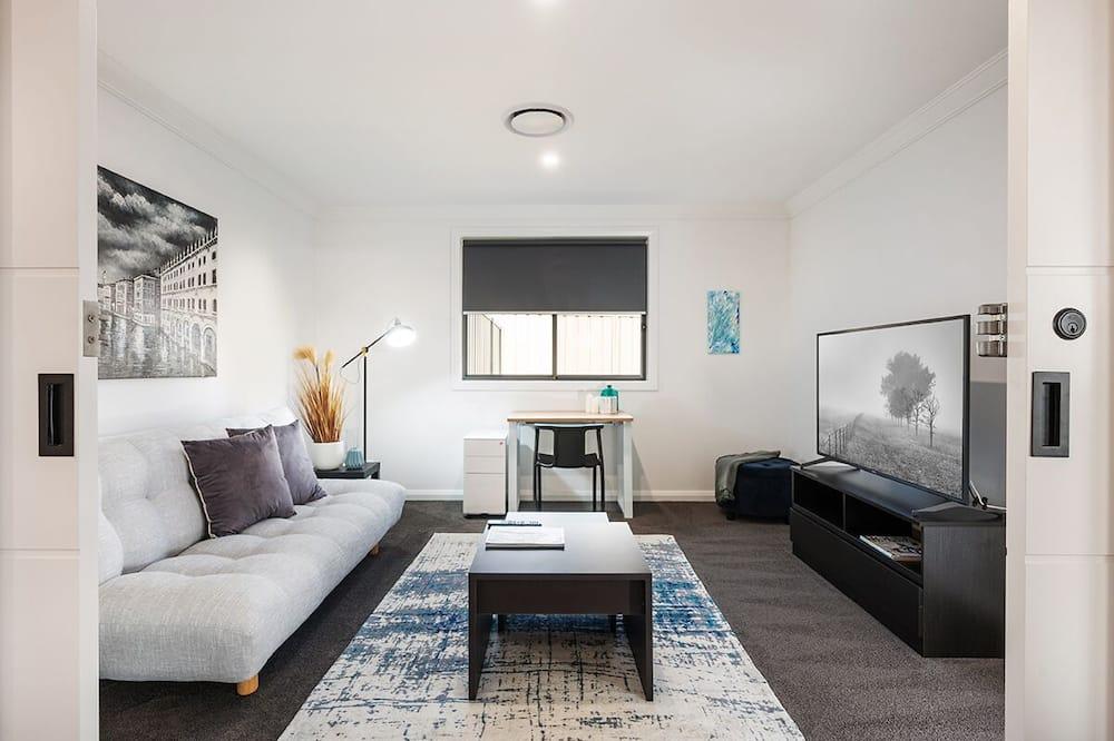Standard House, 4 Bedrooms - Bilik Rehat