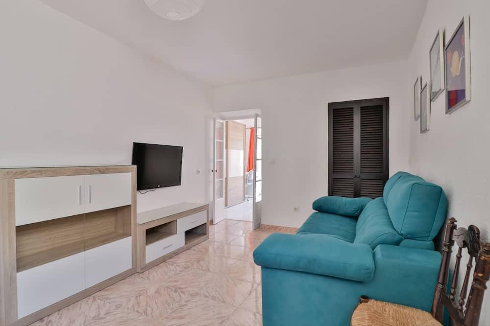 Classic Apartment, 2 Bedrooms - Ruang Tamu