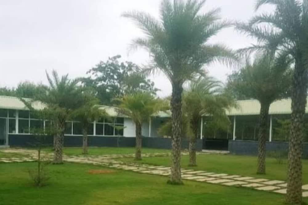 Lake Views Resort