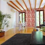 Apartment, 3 Bedrooms, Balcony - Living Area