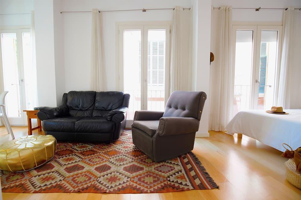 Studio, Balcony - Bilik Rehat
