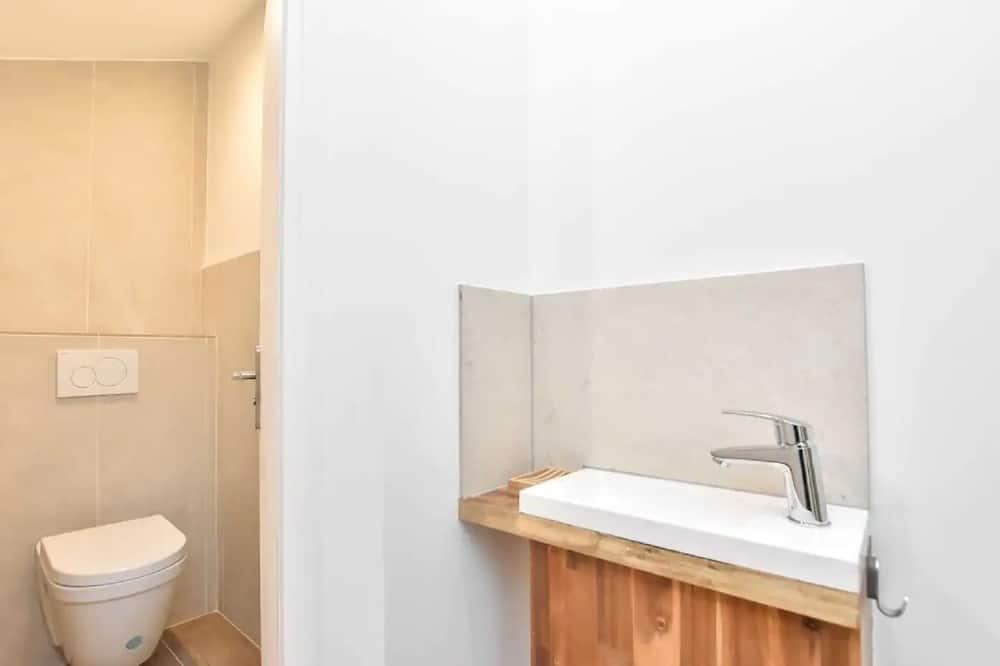 Departamento, baño privado - Baño