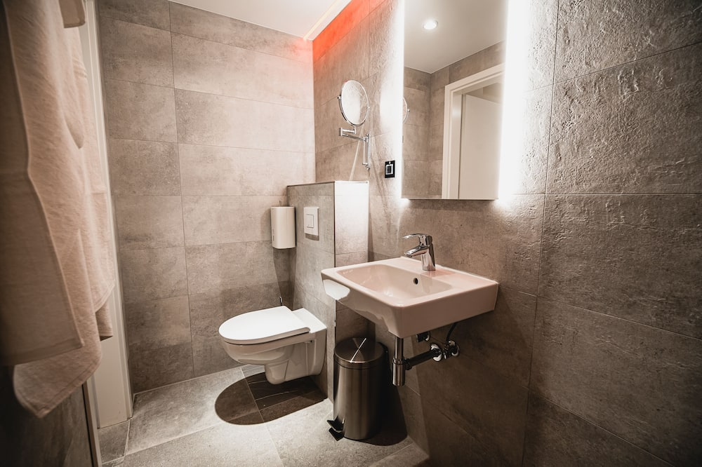 Double Room (Deluxe Double Room) - Bilik mandi
