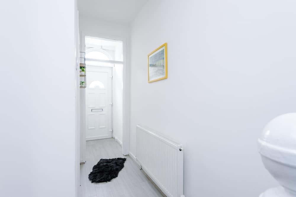 House, Ensuite - Bilik mandi