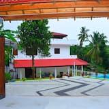 Inviting 5 Bedrooms & Pool Villa in Talpe Srilanka