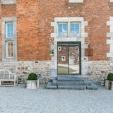 Superb Castle in Perwez-haillot With Terrace