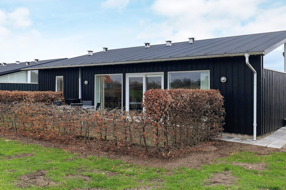 5 Star Holiday Home in Bogense