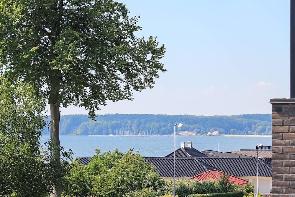 منزل - منظر للبحيرة