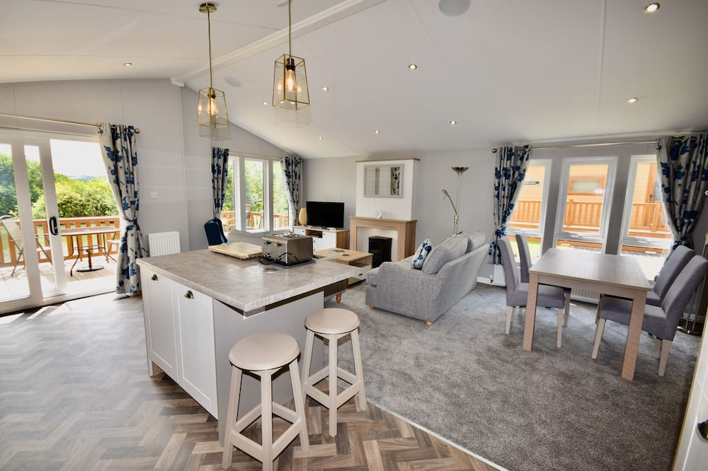 Māja, divas guļamistabas - Dzīvojamā zona