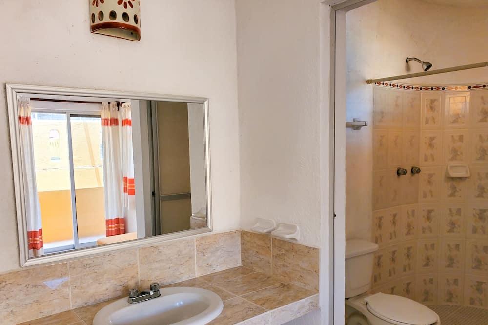 Comfort Room, 1 Double Bed - Bathroom