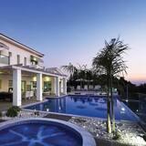 Villa (Monte Mare) - Zwembad