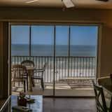 Condo, 1 Bedroom, Ocean View - Living Room