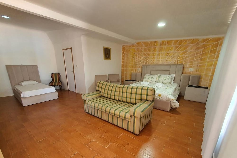 Family Double Room With Private Bathroom in Gojim - Wifi and Ac