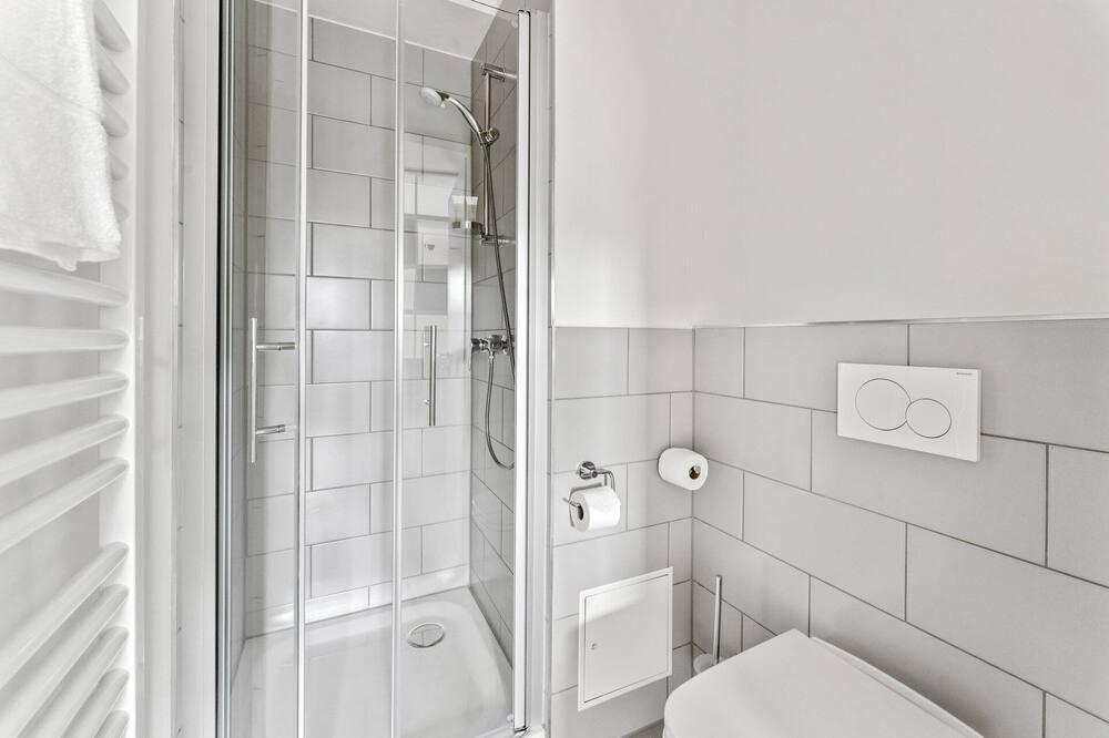 Studio (Single Use) - Bathroom