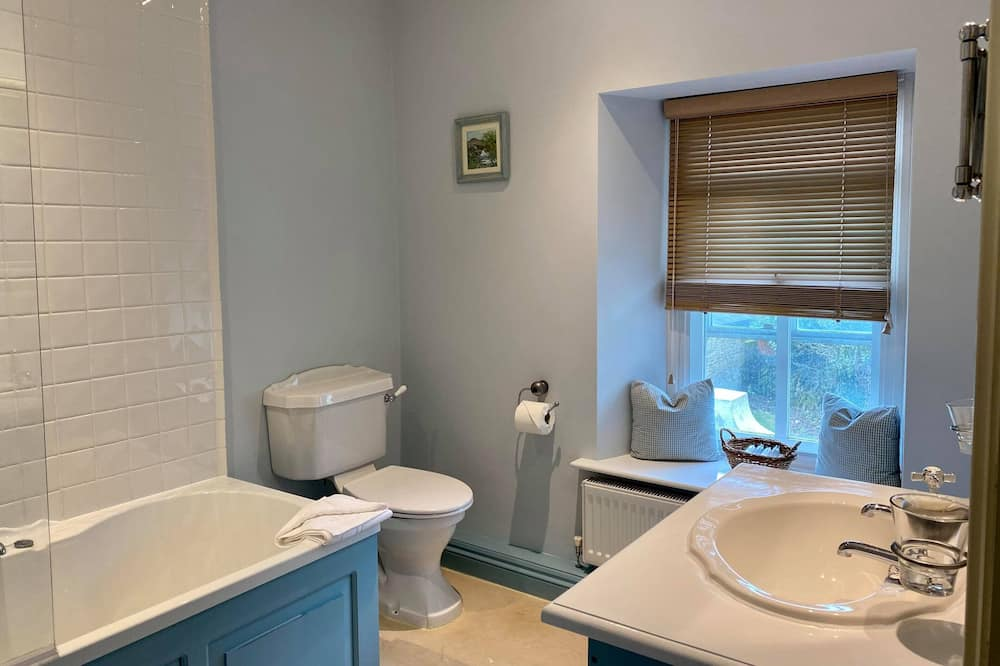 Deluxe Double Room, Private Bathroom (Hare Tor) - Bathroom