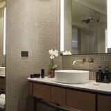 Harbour Twin - Bathroom