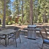 House, Multiple Beds (Tahoe Tyme by AvantStay - Classic Tah) - Balcony