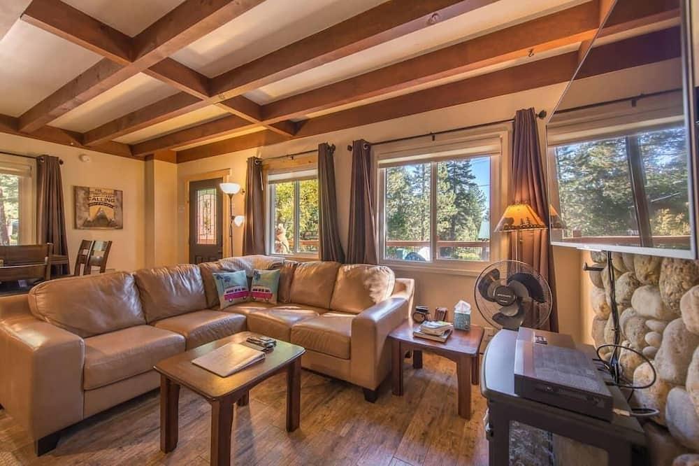 Tahoe Tyme by Avantstay - Classic Tahoe Cabin