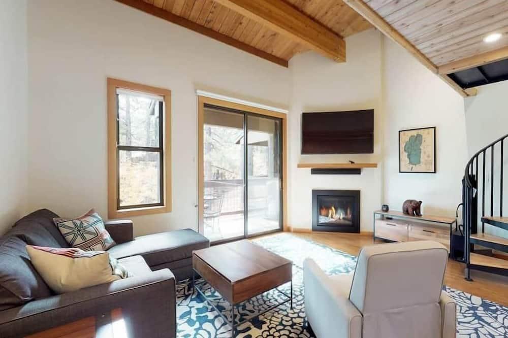 House, 2 Queen Beds (Sockeye by AvantStay - Modern 2 BR Co) - Living Room