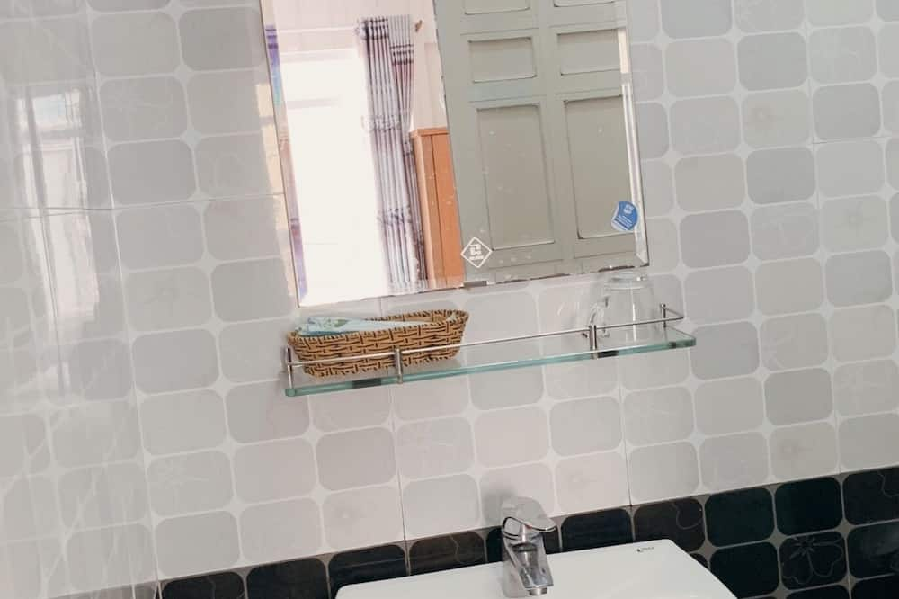 Superior Double Room - Bathroom Sink