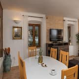 Hús (Two Bedroom Holiday Home) - Stofa