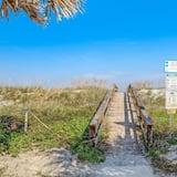 Квартира (Beachdrifter 305 - Oceanfront Condo) - Территория отеля