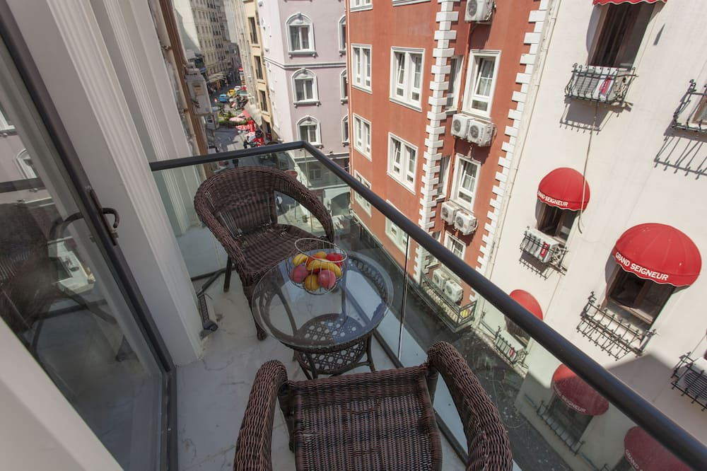 Comfort Double or Twin Room, Balcony - City View
