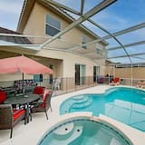 Exceptional Vacation In Davenport 4 Bedroom Home