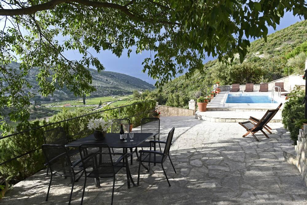 Вилла (Three Bedroom Villa with Pool) - Балкон