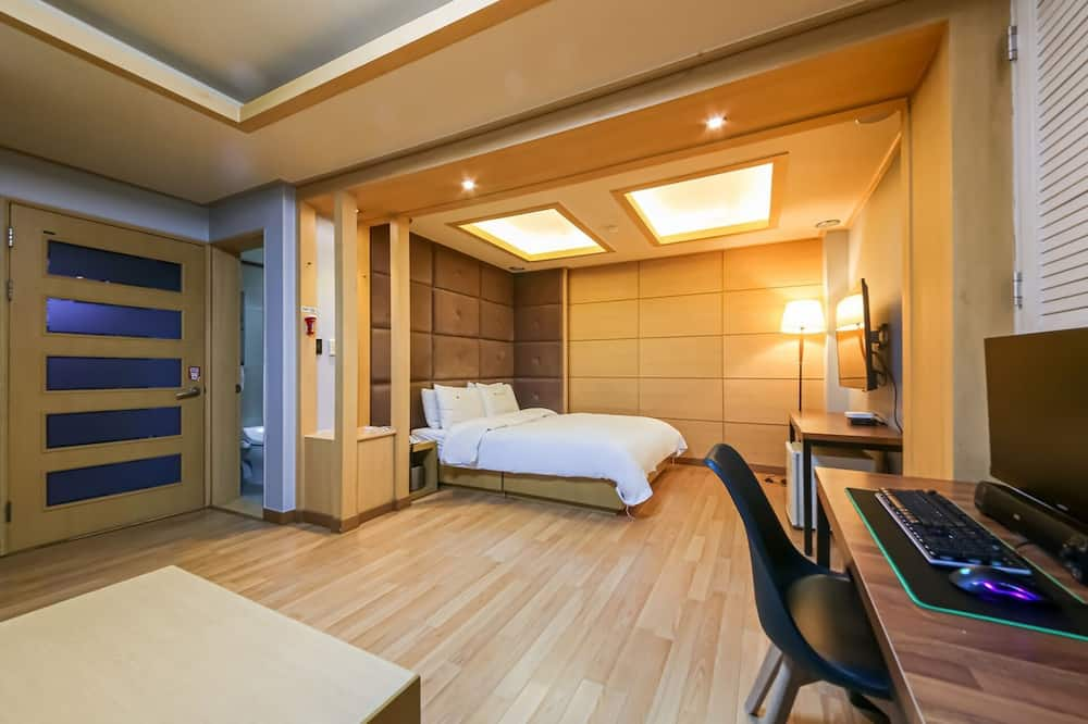 Room (Premium Double) - Guest Room