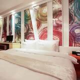 Room (Deluxe room) - Guest Room