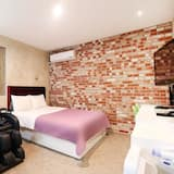 Room (Massage Room) - Guest Room