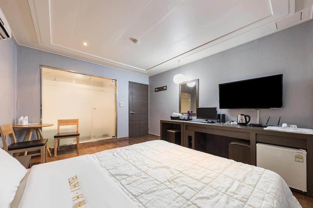 Room (deluxe) - Guest Room