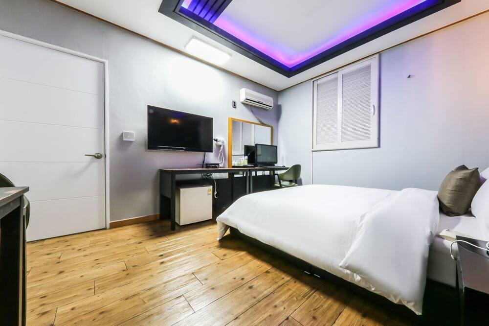 Room (Standard) - Bilik Tamu