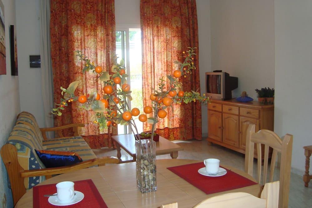 Standard Apartment, 1 Bedroom - Living Room