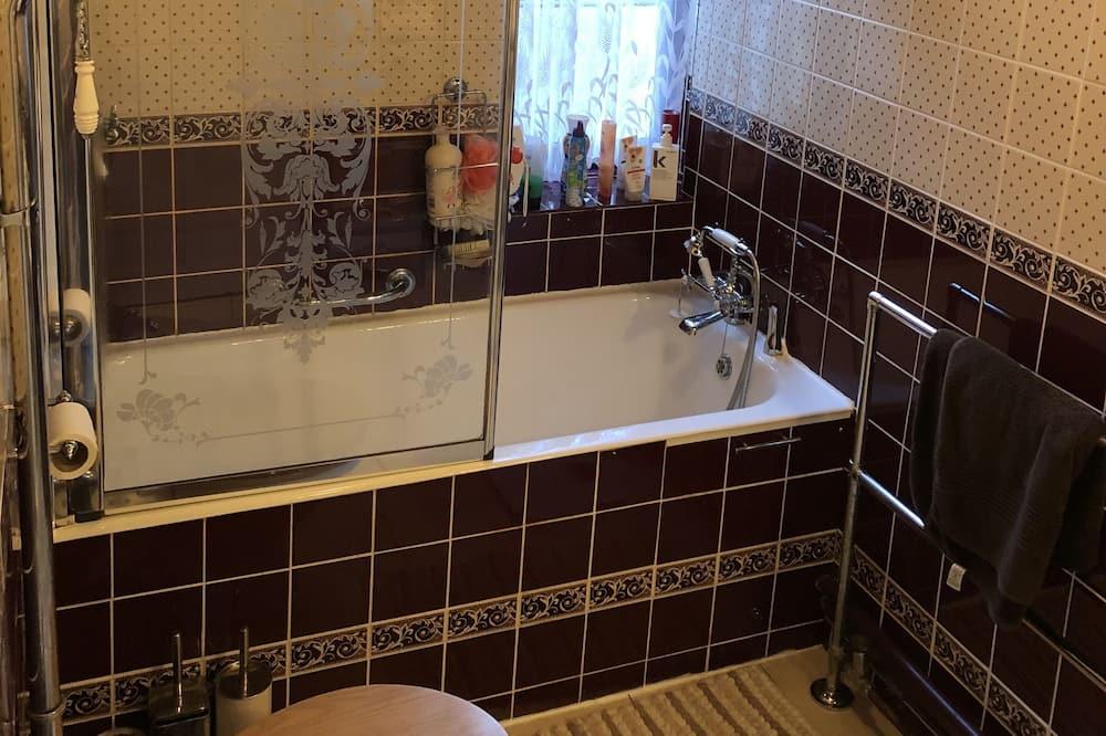 Double Room, Private Bathroom (Blue Room) - Bathroom