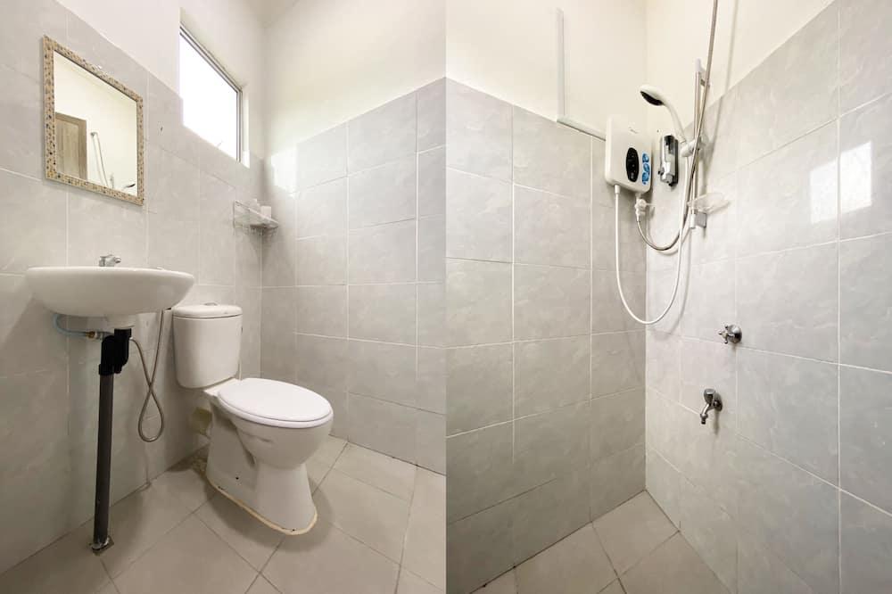 ファミリー ルーム 専用バスルーム - バスルーム