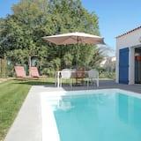 منزل عادي - ٣ غرف نوم - بمسبح خاص - حوض سباحة خاص