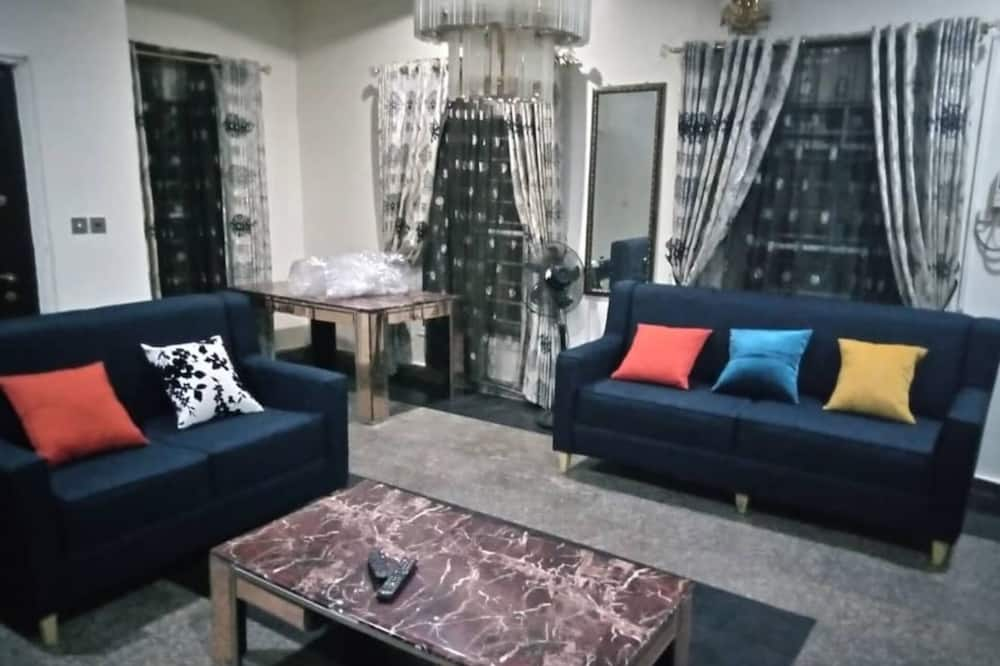 House, Multiple Beds - Living Area