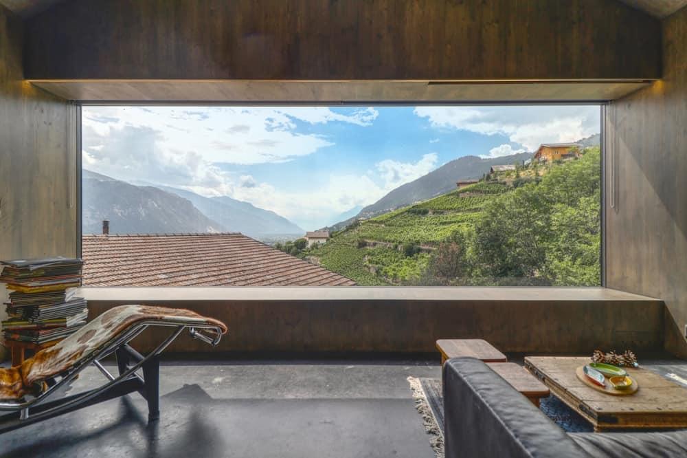 Basic House, Multiple Beds - Balcony