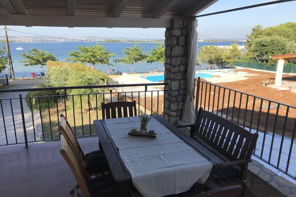 Vila M.e.j.n.- Apartment Nina in Kraj Croatia