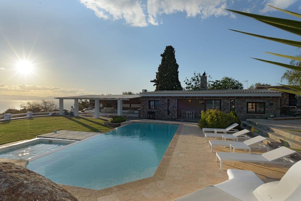 Villa superior, varias habitaciones, piscina privada, vista al mar - Alberca privada