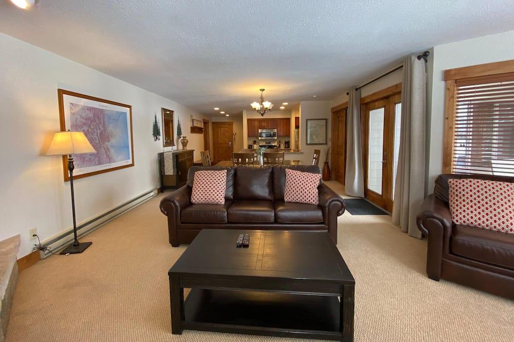 شقة - عدة أسرّة - منظر للبحيرة (Willows 1707) - غرفة معيشة