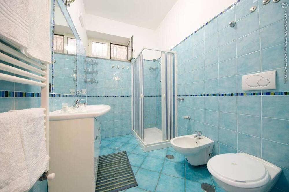 Vila, 2 ložnice - Koupelna