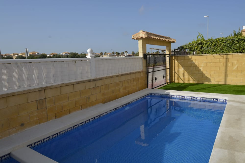 Bungalow With Private Pool 7 People Rentals Paco