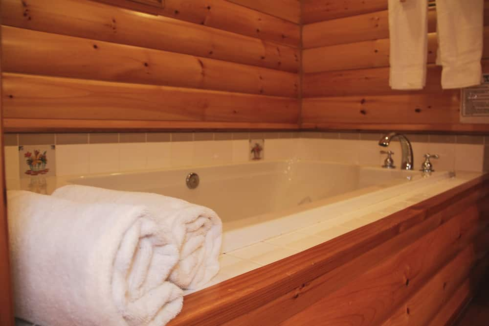 Comfort Cabin, 1 King Bed - Bathroom