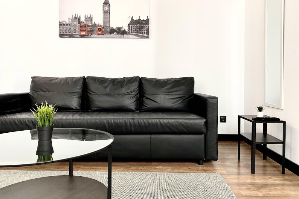 סטודיו קומפורט, מיטת קווין וספה נפתחת, שירותים צמודים - סלון