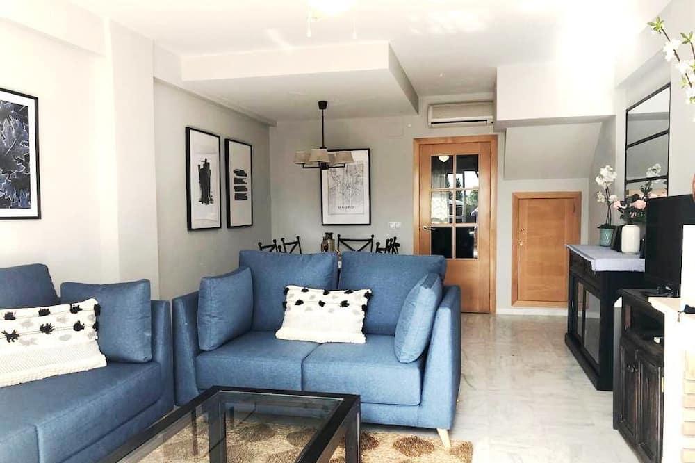 Classic Villa - Living Area